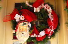 Free Santa Door Wreath Royalty Free Stock Images - 1510169
