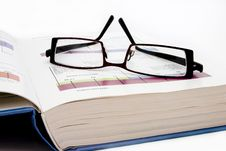 Free Reading Spectacles Royalty Free Stock Images - 1515469