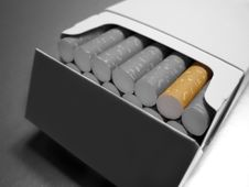 Free Cigarettes Royalty Free Stock Photos - 1517378
