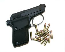 Free Pistol With Ammo Royalty Free Stock Image - 1518936