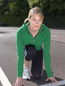 Free Blond Runner Ready To Go Royalty Free Stock Photography - 15100347