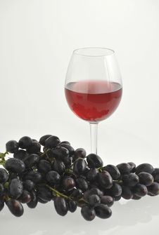 Free Wine And Grape. Stock Images - 15100804