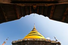 Free Northern Thai Pagoda That Contain Buddha S Relics Stock Images - 15102904