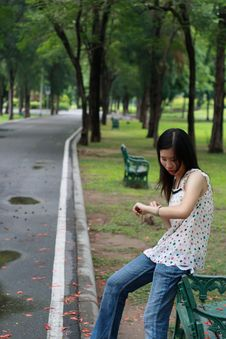 Free Young Woman Watting Someone In The Park Royalty Free Stock Photo - 15103475