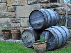 Free Old Barrels Royalty Free Stock Photography - 15105687