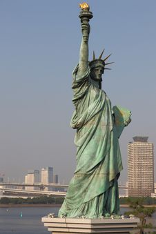 Free Statue Of Liberty In Tokyo Royalty Free Stock Photography - 15105767