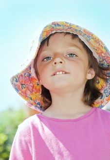 Free Little Girl  With Hat Stock Image - 15108131