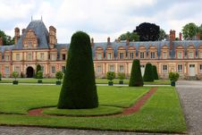 Free Fontainebleau Palace Royalty Free Stock Image - 15114266