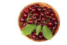Free Sweet Cherries Royalty Free Stock Photos - 15115388