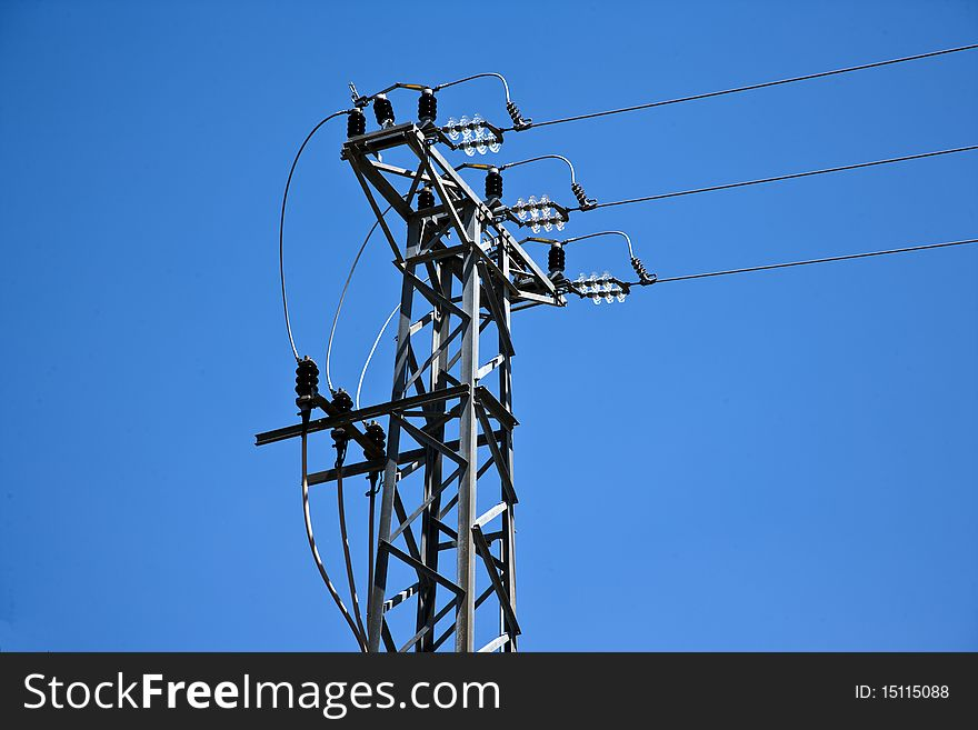 Cable cuttent tower