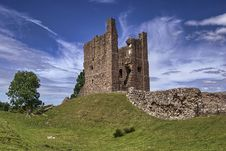 Free The Keep, Brough Castle Stock Photo - 15130300