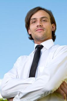 Free Young Business Man Over Blue Sky Royalty Free Stock Photos - 15131768