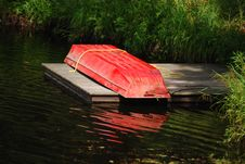 Free Red Little Row Boat Royalty Free Stock Photography - 15131877