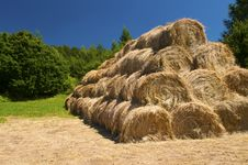 Free Bales Of Straw Stock Photography - 15132692