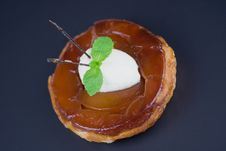 Free Individual Apple Tart Tatin Stock Photography - 15134992
