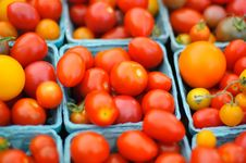 Free Cherry Tomatoes In Boxes Royalty Free Stock Images - 15135979
