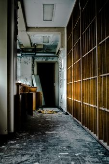 Free Destroyed Abandoned Office Stock Images - 15136114