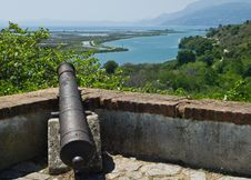 Free Cannon On The Walls Of The Fortress Royalty Free Stock Photo - 15138695