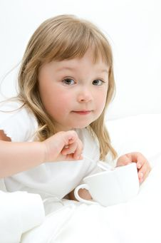 Free Sick Little Girl Royalty Free Stock Photos - 15139508
