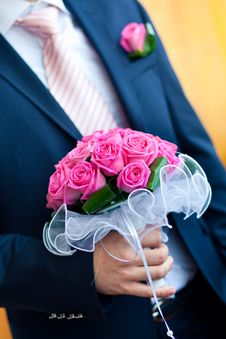 Free Wedding Bouquet In Hand Stock Images - 15141914