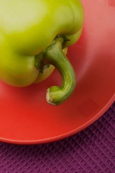 Free Green Bell Pepper On A Saucer Royalty Free Stock Photo - 15142075
