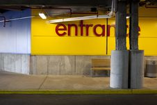 Free Yellow Curb By The Store Entrance Royalty Free Stock Photos - 15144078