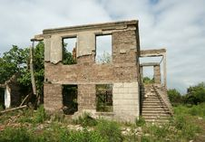 Free Empty Houses In Abkhazia Royalty Free Stock Images - 15145639