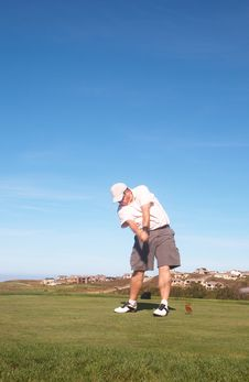 Free Golfer On The Tee Box Royalty Free Stock Photos - 15146018