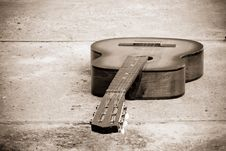 Free Classical Guitar At Stone Stock Images - 15149874