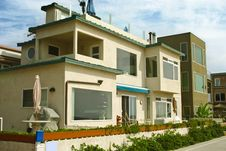 Free Beach House 2 Of 2 Royalty Free Stock Images - 15151249
