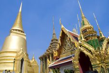 Free Golden Pagoda And Church Royalty Free Stock Photography - 15151767