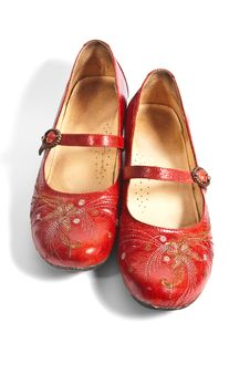 Free Pair Of Red Embroided Shoes Stock Photo - 15154790