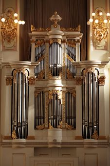 Free Classical Pipe Organ Royalty Free Stock Photo - 15160905