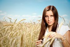 Free Girl In A Field. Royalty Free Stock Photos - 15163898