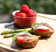Free Strawberry, Sandwich And Asparagus Royalty Free Stock Photos - 15165808
