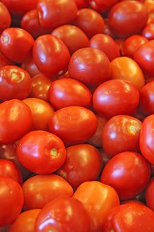 Free Red Tomatoes In A Market Royalty Free Stock Photography - 15166927
