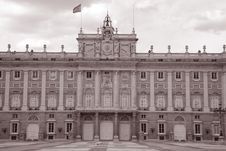 Free Main Facade Of Royal Palace In Madrid Royalty Free Stock Images - 15173339