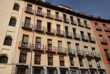 Free Tradtional Housing In Madrid Royalty Free Stock Photography - 15173567