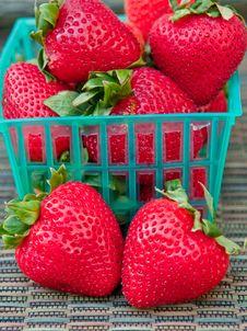 Free BAsket Of Strawberries Stock Photo - 15174260