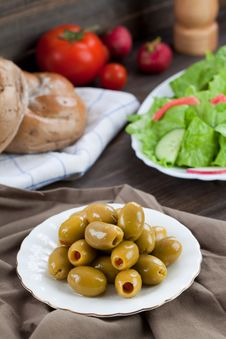 Free Plate With Olives Royalty Free Stock Images - 15175129