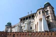 Free Royal Wawel Castle In Cracow Royalty Free Stock Photography - 15175227