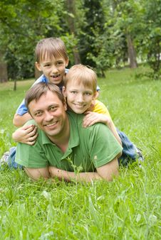 Free Father  With Young Children Stock Photography - 15183002