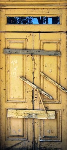 Free The Old Wooden Door Royalty Free Stock Image - 15184456