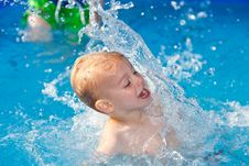 Free Water Fun Royalty Free Stock Photos - 15185728