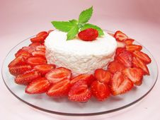 Free Strawberry Cake Dessert Stock Photo - 15185840