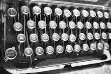 Free Vintage Typewriter Royalty Free Stock Photos - 15188068
