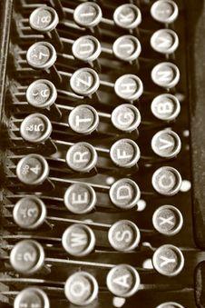 Free Vintage Typewriter Royalty Free Stock Photo - 15188095
