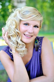 Free Beautiful Young Woman With Hairstyle Outdoors Royalty Free Stock Image - 15194216