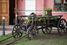 Free Old Cart With Flowers Stock Images - 15195924
