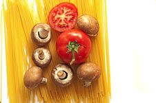 Free Tomato, Spaghetti And Mushrooms Stock Images - 15199354